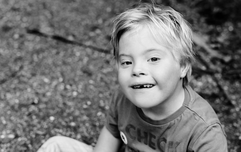 Specials. Speciale kinderen met down syndroom gefotografeerd door Adrielle Fotografie uit Middelburg in Zeeland