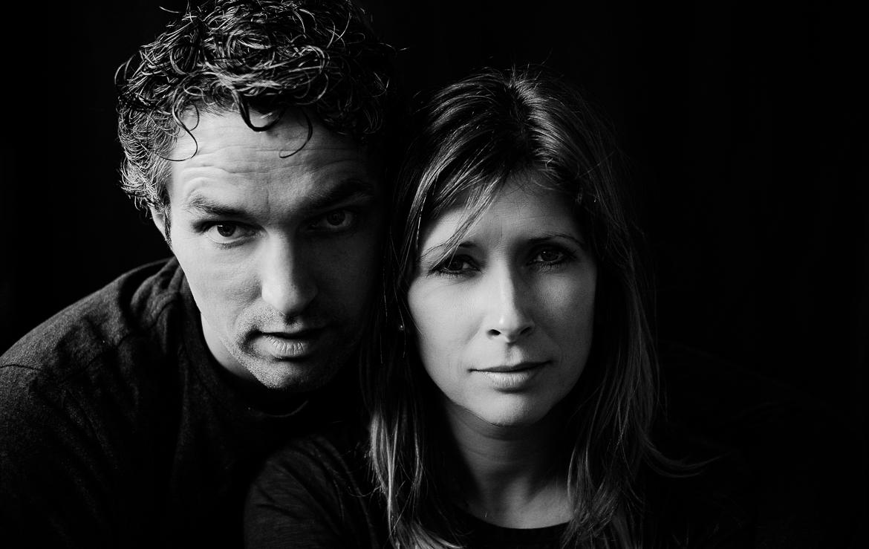 Liefde en familie fotografie in tijdloos zwart wit door fotograaf Adrielle de Voogd uit Middelburg Zeeland
